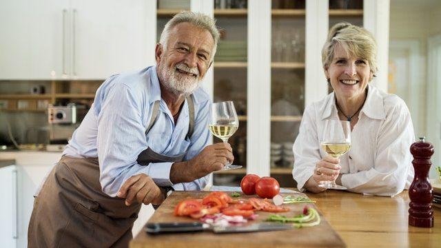 定年延長が導入された場合、退職金は増えるの?減るの?