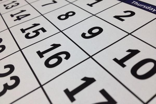 3月末に退職した公務員の退職金はいつ支払われるの?