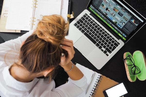 公務員がうつ病で退職したらどうなる?