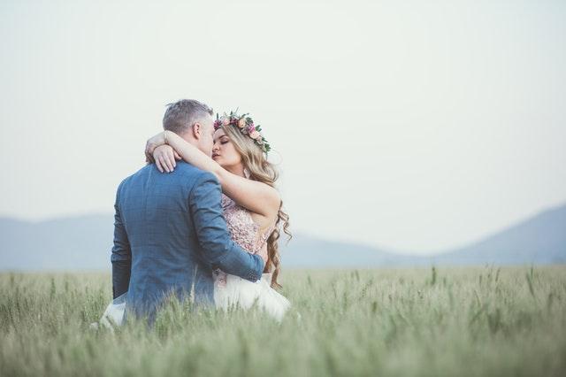 公務員と結婚するための方法1 婚活アプリ