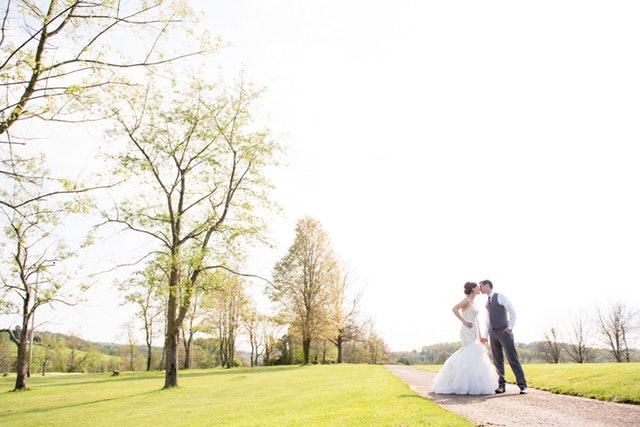 30代で世帯年収1000万超え!公務員同士の結婚が最強の勝ち組?