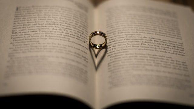 公務員と結婚するメリット3選!みんなが憧れる公務員との結婚。