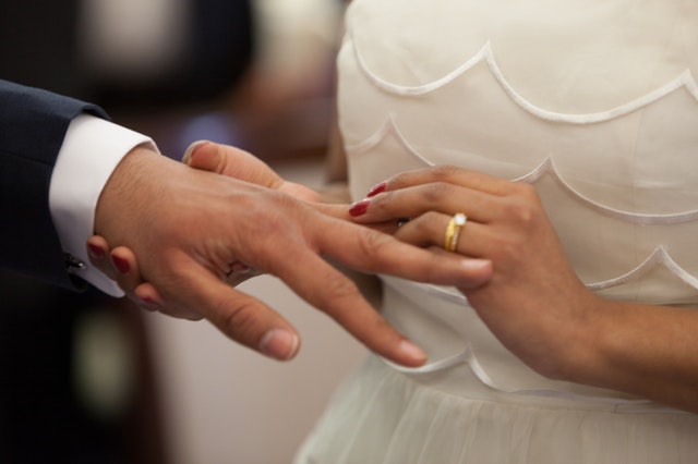 公務員と結婚するための方法4 結婚相談所